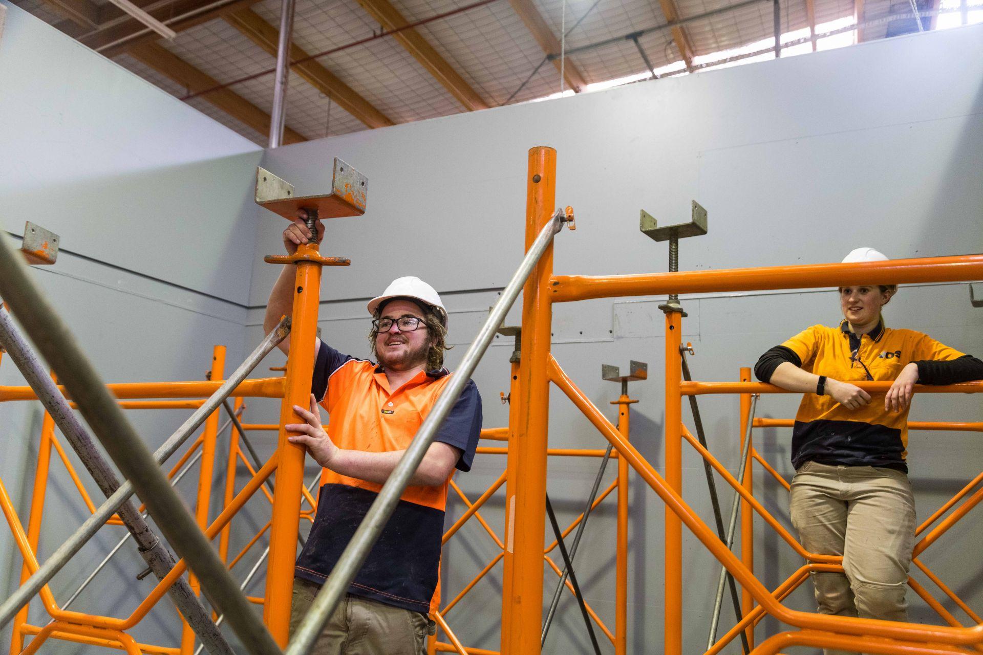 TasTAFE students putting together scaffolding